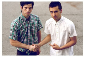 21pilots shaking hands and looking adorable